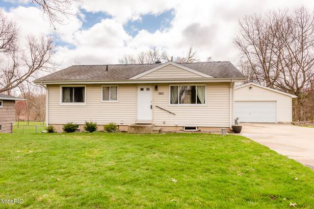 3128 Willo Drive, Berrien Springs, MI 49103 (MLS #21010776) :: Your Kzoo Agents