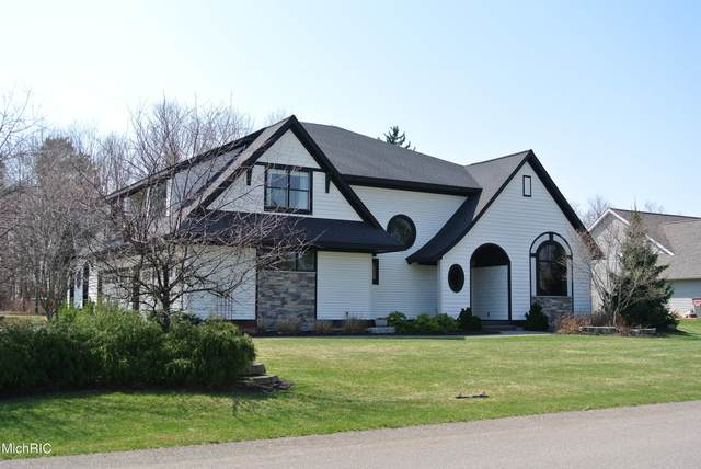 1064 Bluff Lake Court, Zeeland, MI 49464 (MLS #21010828) :: Deb Stevenson Group - Greenridge Realty