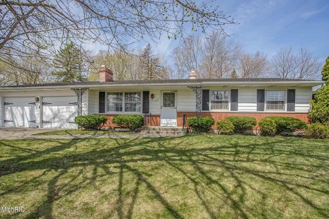 157 Lincolnwood Drive, Battle Creek, MI 49015 (MLS #21011316) :: Deb Stevenson Group - Greenridge Realty