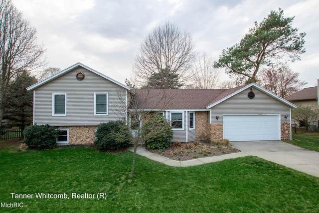 6229 Blanca Drive NE, Rockford, MI 49341 (MLS #21011332) :: Ginger Baxter Group