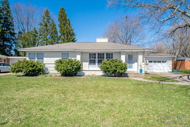 93 E 32nd Street, Holland, MI 49423 (MLS #21011361) :: Keller Williams Realty | Kalamazoo Market Center