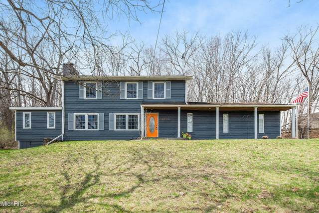 3737 Grand River Drive NE, Grand Rapids, MI 49525 (MLS #21011405) :: Ginger Baxter Group
