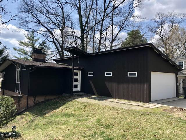 1825 Greenlawn Avenue, Kalamazoo, MI 49006 (MLS #21011508) :: Keller Williams Realty | Kalamazoo Market Center