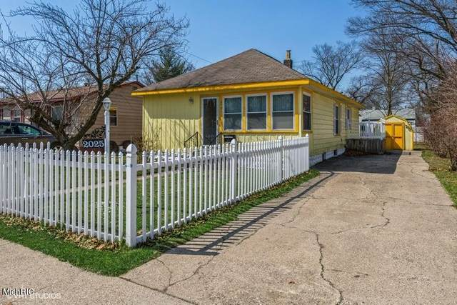 2025 Howden Street, Muskegon Heights, MI 49444 (MLS #21011594) :: Keller Williams Realty | Kalamazoo Market Center