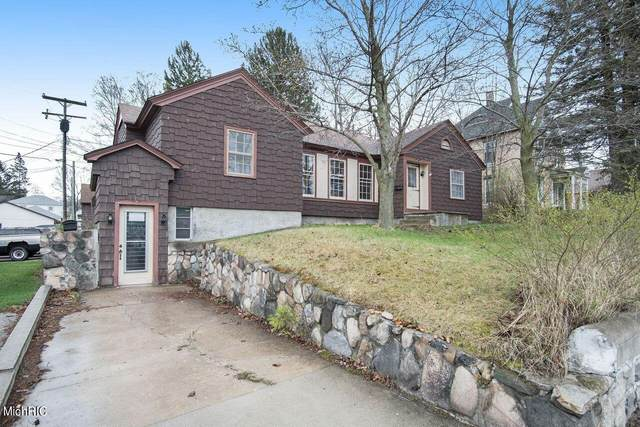 220 S State Street, Hart, MI 49420 (MLS #21011686) :: Your Kzoo Agents