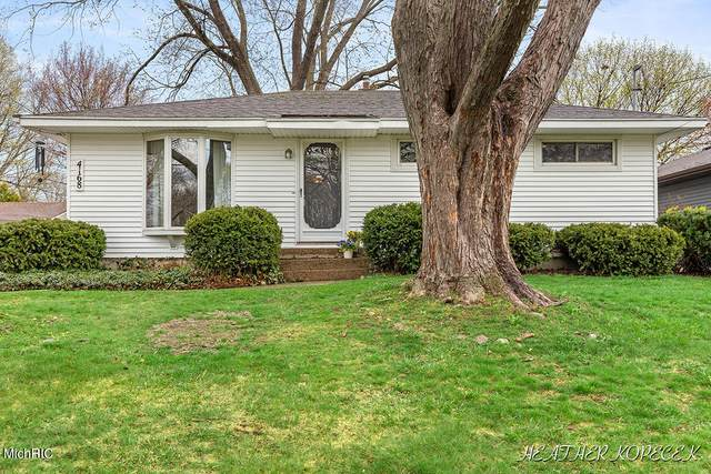 4168 Hillsdale Avenue NE, Grand Rapids, MI 49525 (MLS #21011696) :: Deb Stevenson Group - Greenridge Realty