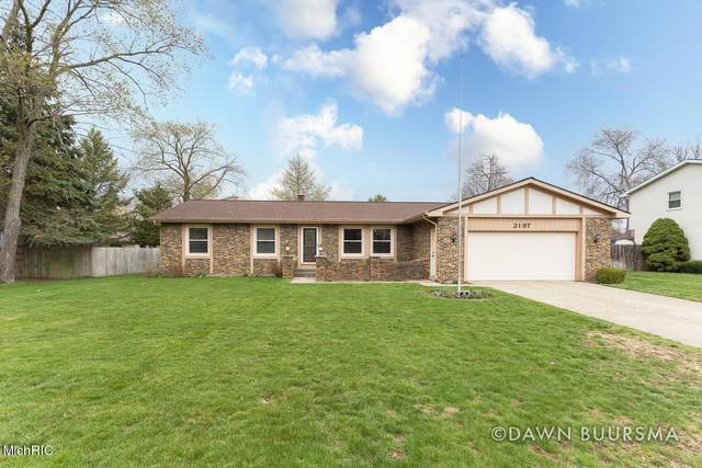 2197 Pinewood Street, Jenison, MI 49428 (MLS #21011718) :: Keller Williams Realty | Kalamazoo Market Center