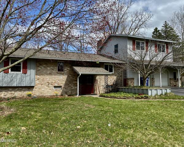 1961 Millbank Street SE, Grand Rapids, MI 49508 (MLS #21011774) :: CENTURY 21 C. Howard