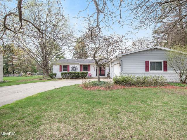 2416 Rockhill Drive NE, Grand Rapids, MI 49525 (MLS #21011978) :: Ginger Baxter Group