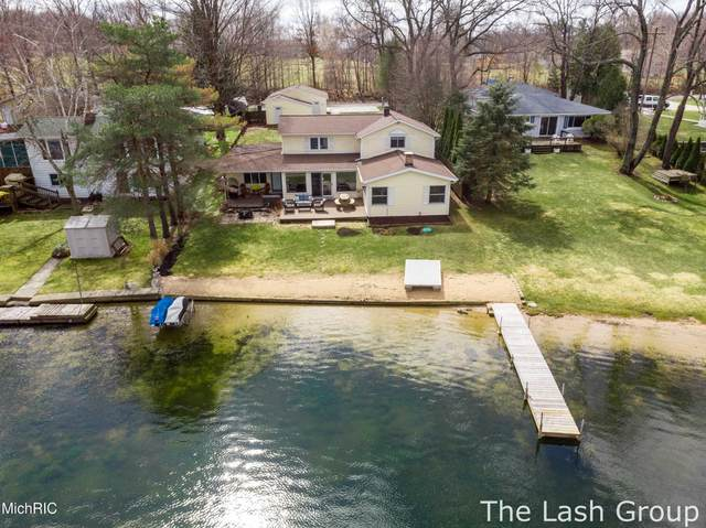 13555 Sunset Shores Drive NE, Cedar Springs, MI 49319 (MLS #21012084) :: Deb Stevenson Group - Greenridge Realty
