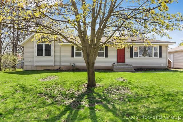 2165 Engleside Drive SE, Grand Rapids, MI 49546 (MLS #21012100) :: Deb Stevenson Group - Greenridge Realty