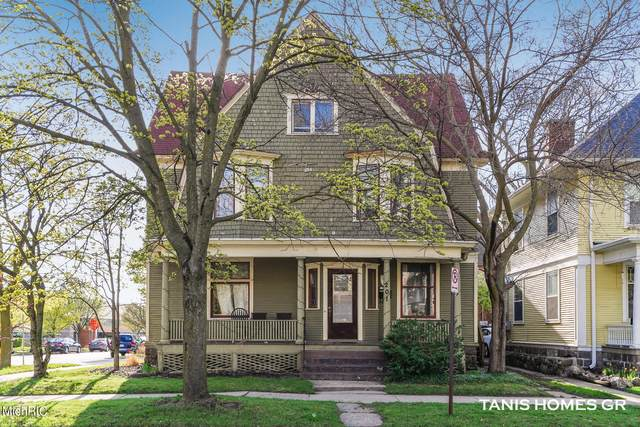 201 Lafayette Avenue NE, Grand Rapids, MI 49503 (MLS #21012108) :: Deb Stevenson Group - Greenridge Realty