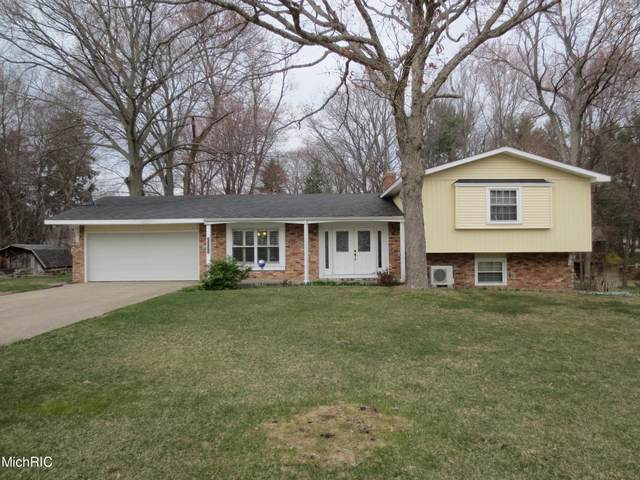 2226 Corrine Avenue, Muskegon, MI 49444 (MLS #21012678) :: Your Kzoo Agents