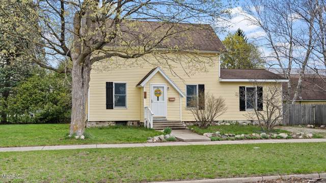220 W Pere Marquette Street, Big Rapids, MI 49307 (MLS #21012707) :: CENTURY 21 C. Howard