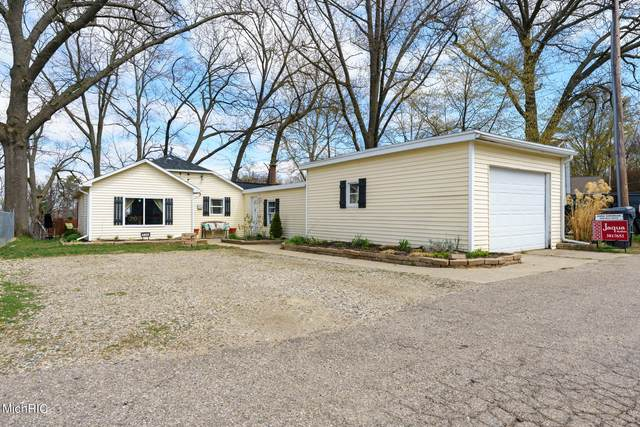 12380 Hubbards Cove Drive, Plainwell, MI 49080 (MLS #21012745) :: Keller Williams Realty | Kalamazoo Market Center