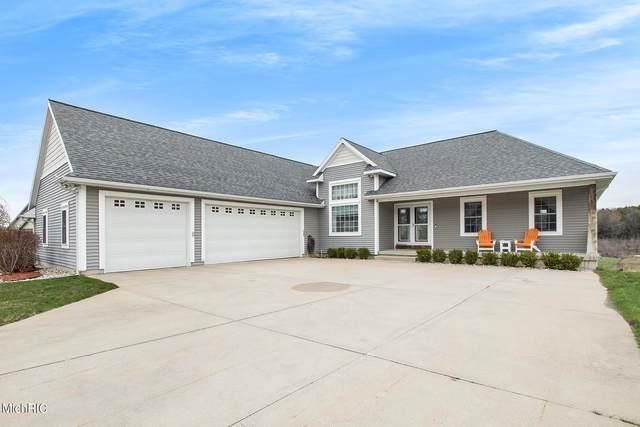 1350 N Hillside Drive, Ludington, MI 49431 (MLS #21012756) :: Deb Stevenson Group - Greenridge Realty