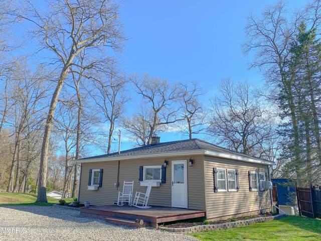 914 Nature Lane, Coldwater, MI 49036 (MLS #21013111) :: Your Kzoo Agents