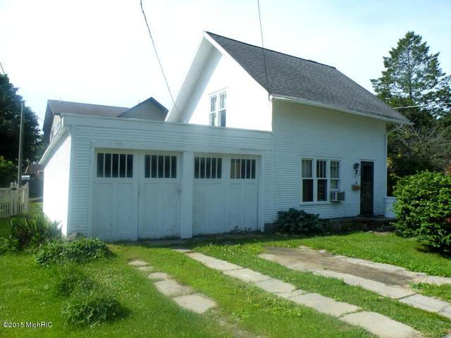 506 Avery Street, Lowell, MI 49331 (MLS #21013328) :: JH Realty Partners