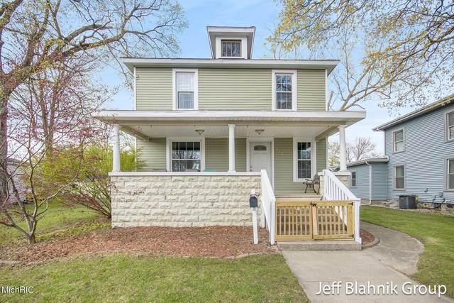 212 N Hudson Street SE, Lowell, MI 49331 (MLS #21013400) :: JH Realty Partners