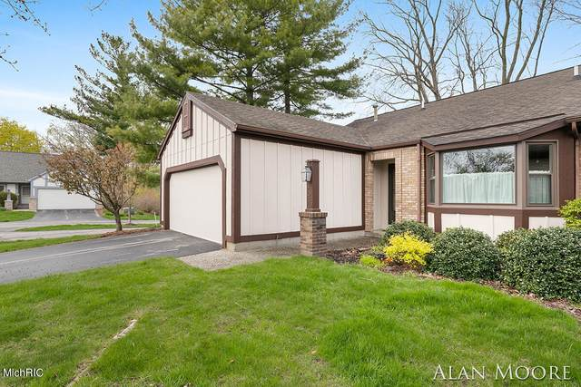 2039 Nathan Drive SE #15, Grand Rapids, MI 49508 (MLS #21013438) :: Your Kzoo Agents