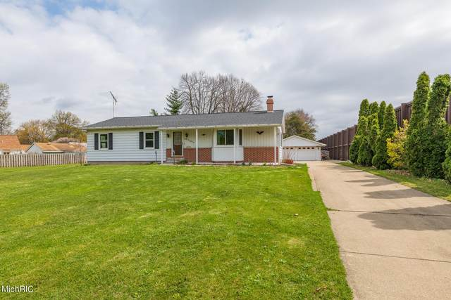 2131 Bloomfield Avenue, Kalamazoo, MI 49001 (MLS #21013470) :: Ron Ekema Team