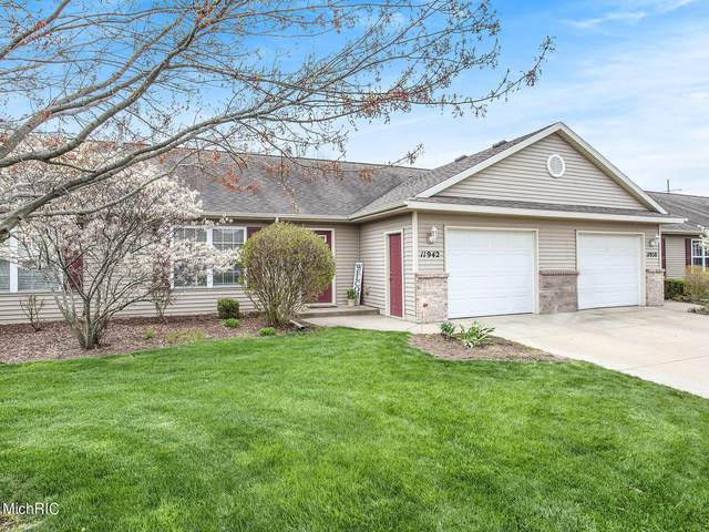 11942 Burning Bush Court, Holland, MI 49424 (MLS #21013475) :: Your Kzoo Agents