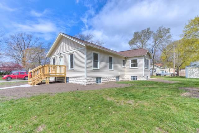 1060 E Larch Avenue, Muskegon, MI 49442 (MLS #21013519) :: BlueWest Properties