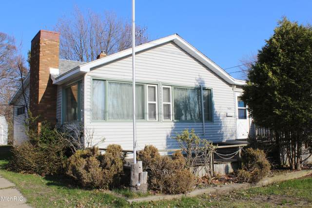 1404 Beach Street, Muskegon, MI 49441 (MLS #21013590) :: Your Kzoo Agents