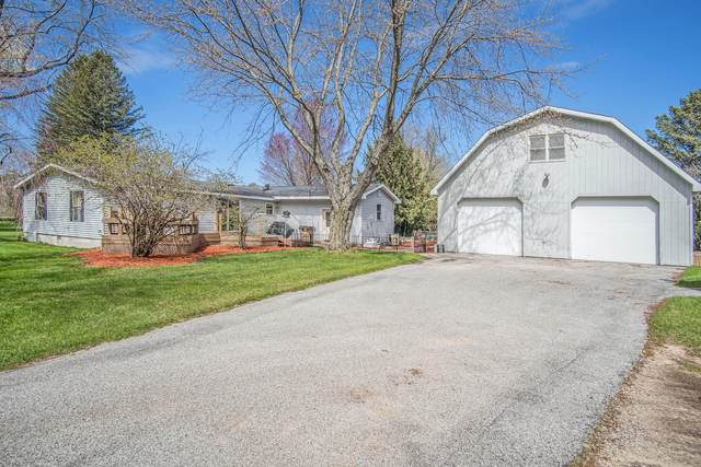 2916 N 72nd Avenue, Hart, MI 49420 (MLS #21013676) :: Your Kzoo Agents
