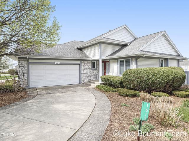 1613 High Pointe Drive, Zeeland, MI 49464 (MLS #21013690) :: Your Kzoo Agents