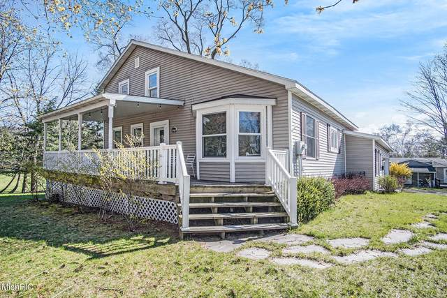 326 E Park Street, Pentwater, MI 49449 (MLS #21013786) :: Keller Williams Realty | Kalamazoo Market Center
