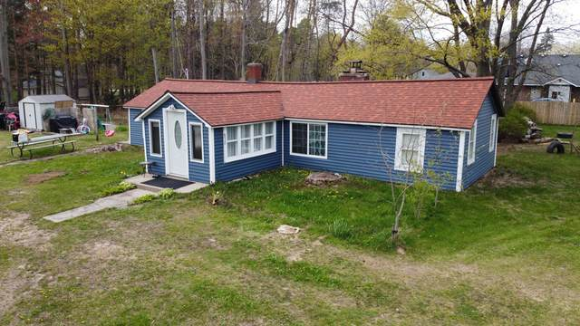 832 Butternut Drive, Holland, MI 49424 (MLS #21013981) :: Your Kzoo Agents