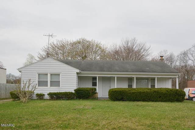 8516 Portage Road, Portage, MI 49002 (MLS #21014201) :: Deb Stevenson Group - Greenridge Realty