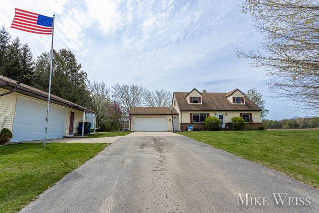 6186 100th Street SE, Caledonia, MI 49316 (MLS #21014640) :: Your Kzoo Agents