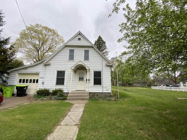 412 W Washington Street, Greenville, MI 48838 (MLS #21014965) :: Your Kzoo Agents