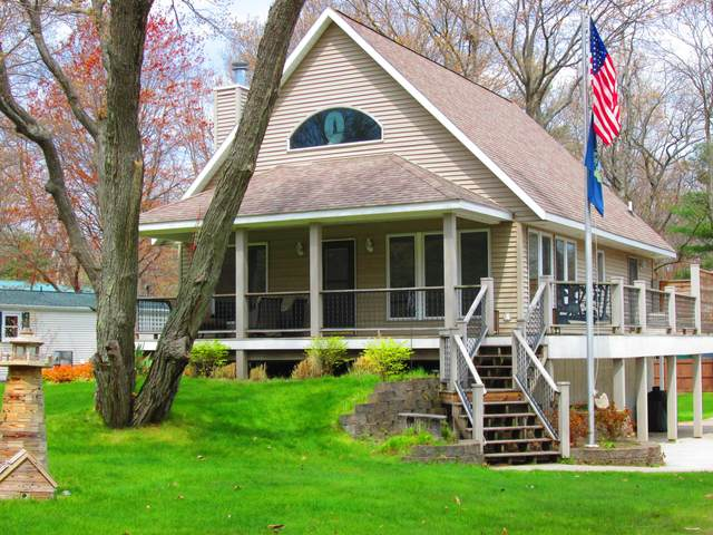 410 N Spencer Road, Mears, MI 49436 (MLS #21014972) :: Your Kzoo Agents