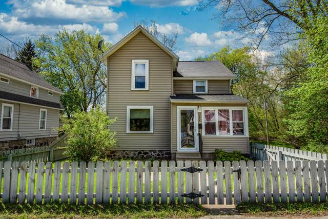 156 N West Street, Hillsdale, MI 49242 (MLS #21014980) :: Your Kzoo Agents