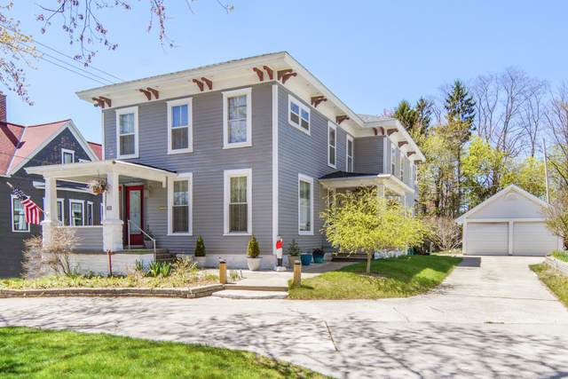 411 Lake Avenue, Grand Haven, MI 49417 (MLS #21015158) :: Your Kzoo Agents