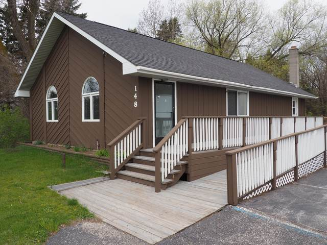 148 W Parkdale Avenue, Manistee, MI 49660 (MLS #21015166) :: Your Kzoo Agents
