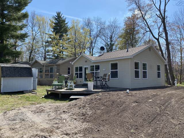 950 S Logan Lane #1, Hesperia, MI 49421 (MLS #21015173) :: Deb Stevenson Group - Greenridge Realty