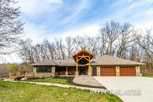 8866 28th Street SE, Ada, MI 49301 (MLS #21015180) :: Keller Williams Realty | Kalamazoo Market Center