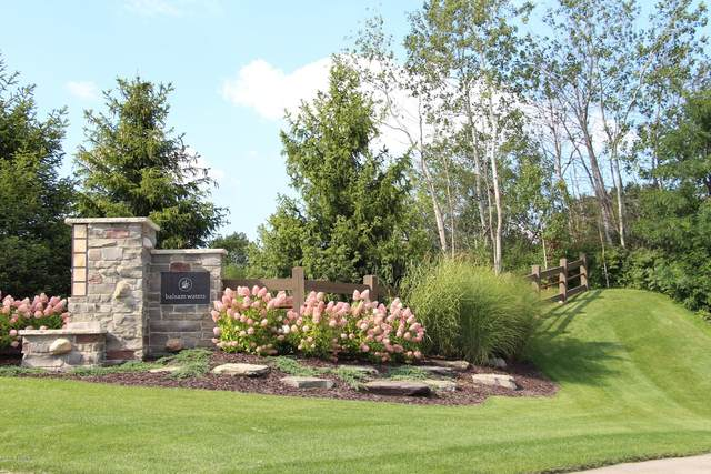 3817 Balsam Waters Drive NE #39, Grand Rapids, MI 49525 (MLS #21015249) :: JH Realty Partners