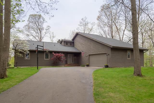 16094 Prairie Ronde Road, Schoolcraft, MI 49087 (MLS #21015389) :: Ron Ekema Team