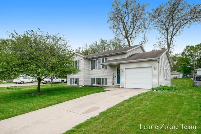 445 Cummings Avenue NW, Grand Rapids, MI 49534 (MLS #21015453) :: Your Kzoo Agents
