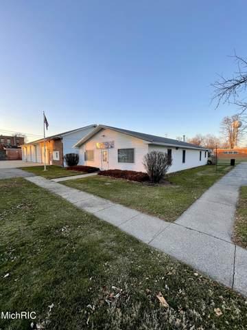 127 E Jackson Drive, Tekonsha, MI 49092 (MLS #21015542) :: Deb Stevenson Group - Greenridge Realty