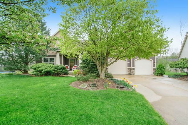 7888 Meadows Court, Hudsonville, MI 49426 (MLS #21015782) :: Your Kzoo Agents