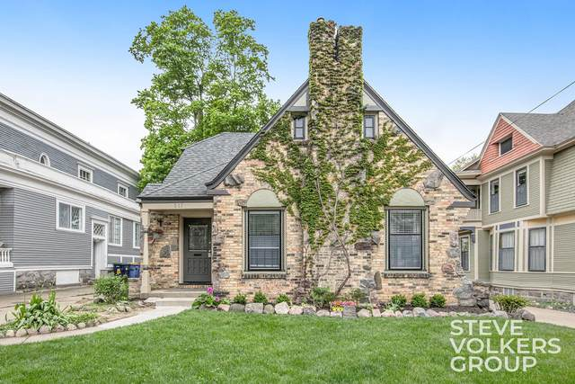 517 Prospect Avenue SE, Grand Rapids, MI 49503 (MLS #21015814) :: Keller Williams Realty | Kalamazoo Market Center