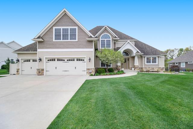 1225 Bear Lake Circle, Portage, MI 49024 (MLS #21015957) :: Deb Stevenson Group - Greenridge Realty