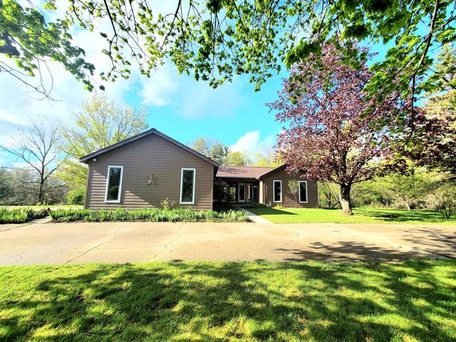 691 Quarterline Street, Newaygo, MI 49337 (MLS #21016008) :: BlueWest Properties