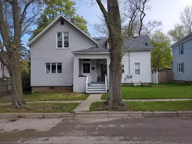 292 4th Avenue, Manistee, MI 49660 (MLS #21016048) :: Deb Stevenson Group - Greenridge Realty